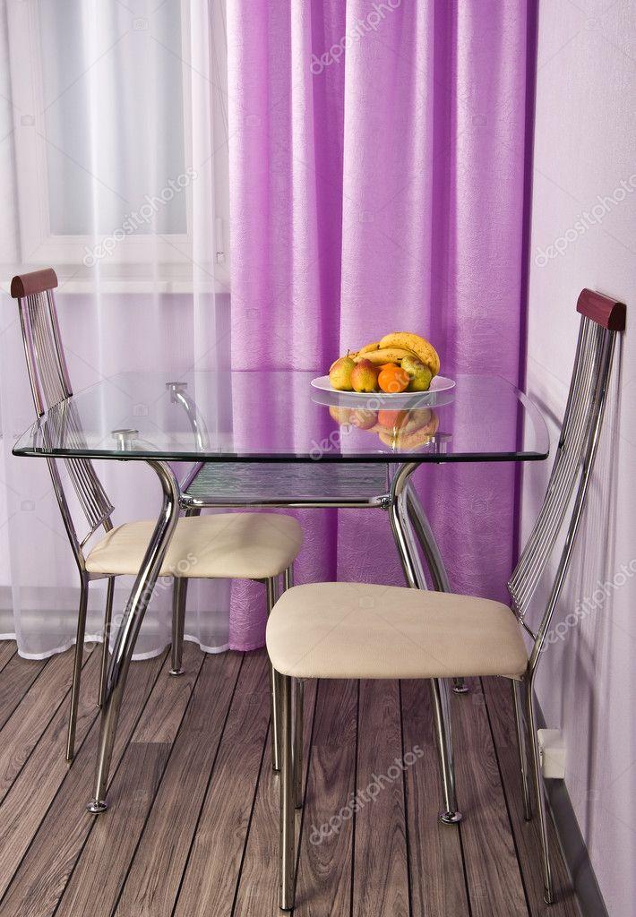 Стеклянный стол на кухне фото в интерьере