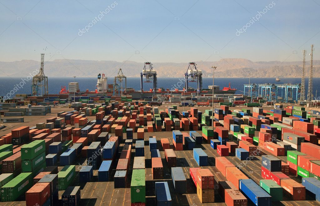 Infinitely many containers in a cargo port on red sea — Foto Stock #1052453