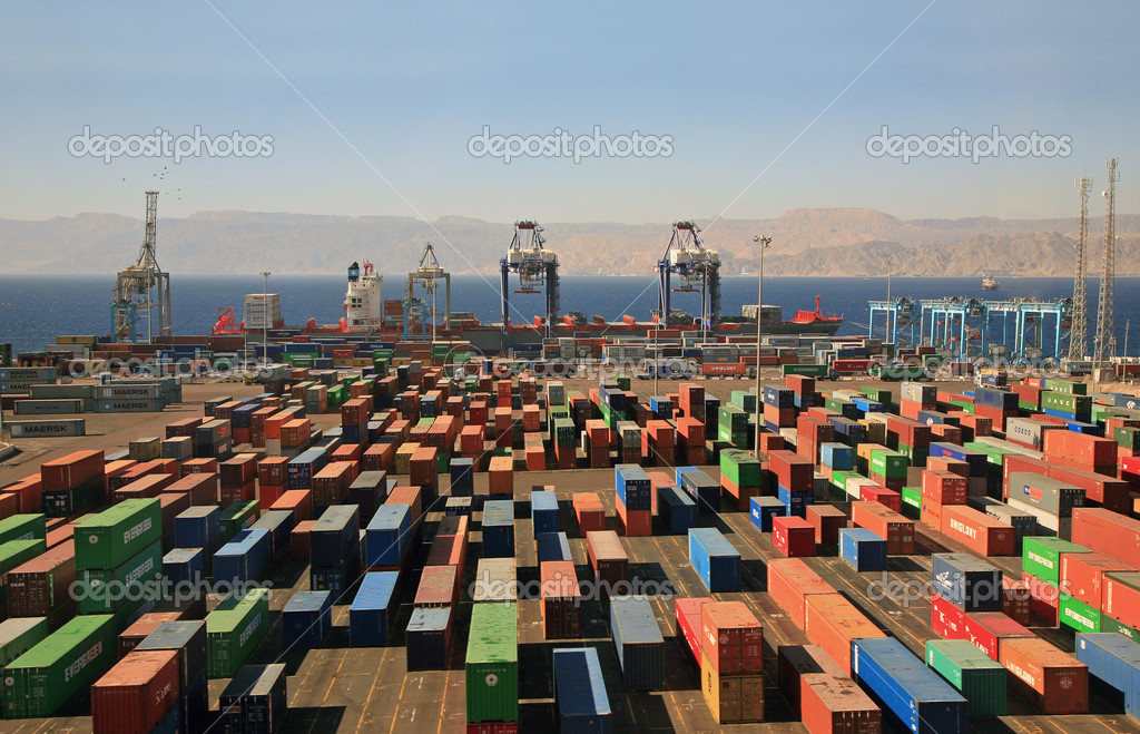 Infinitely many containers in a cargo port on red sea — Stok fotoğraf #1052453