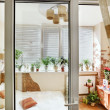 Sunny bedroom interior door view — Stock fotografie