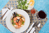 Seafood soup with shrimps and mussels — Stock Photo