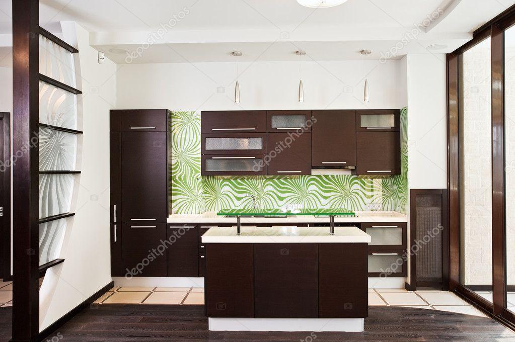 Moderne keuken met donkerhouten vloer — Stockfoto © MrHamster #1907722