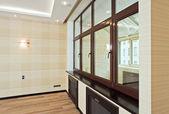 Sala de estar vazio interior com janela — Fotografia Stock