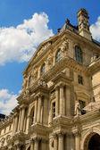 パリ、フランスのルーブル美術館 — ストック写真