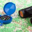 Compass and binoculars — Stock Photo #2605614