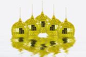 Reflexão de esferas douradas — Fotografia Stock