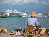 Old Chinese Man Fishing — Stock Photo