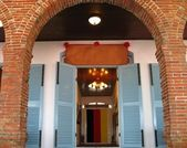 Entrance to Historic Building — Foto Stock