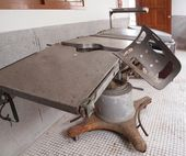 Vintage Operating Table — Stock Photo