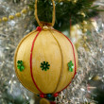 Christmas tree decorations — Stock Photo #1214187