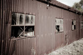 Old rusty tin shed — Stock Photo