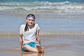 Teenage girl on beach — Stock Photo