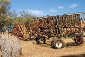 Oude verlaten graan combineren — Stockfoto