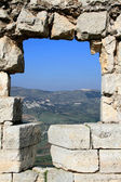 Hole in the castle wall, Syria — Stockfoto