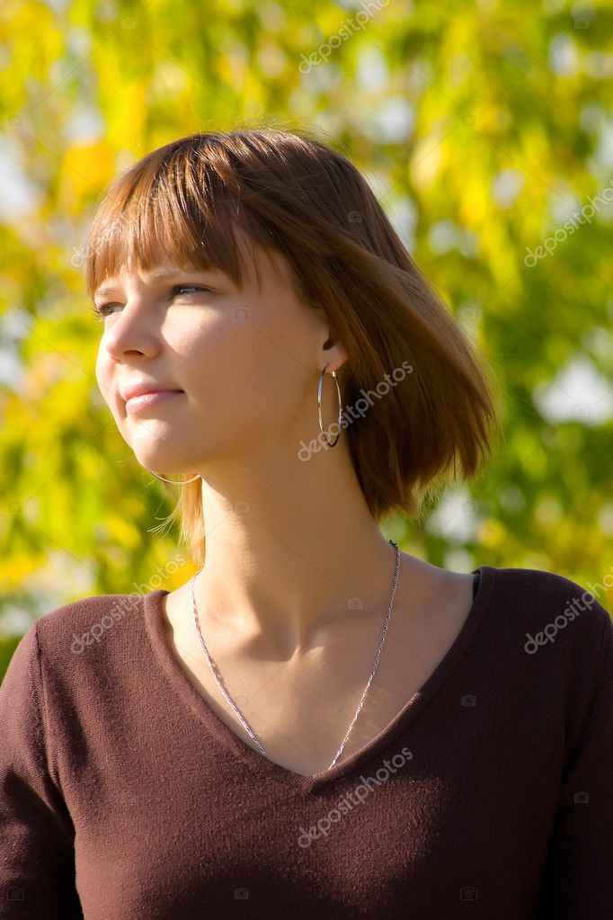 Portrait of the young girl — Stock Photo #1382314