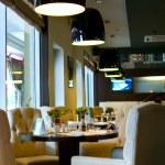 Modern restaurant — Stock Photo #2132715