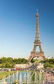 La torre eiffel desde el trocadero — Foto de Stock