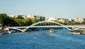 Pedetrian bridge over the Seine, Paris, — Stock Photo