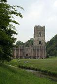 Abbaye de fontaines dans l'yorkshire du nord — Photo