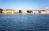 涅瓦河路堤 — 图库照片
