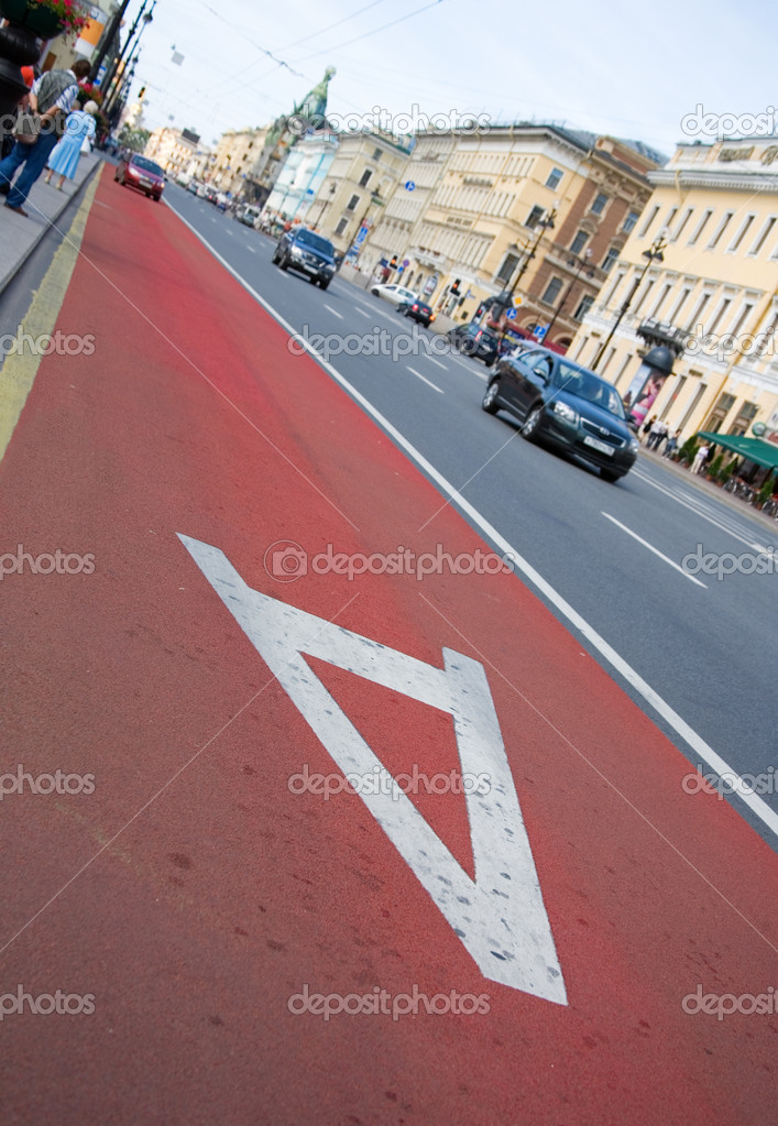 Buses only. New bus lane on Nevsky prospect in St.Petersburg, Russia — Stock Photo #1076542