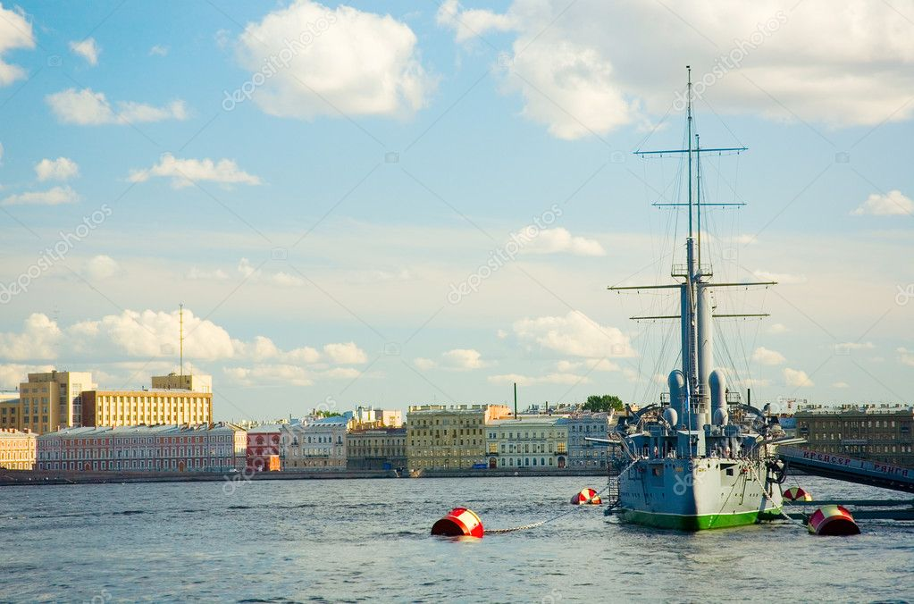 Legendary cruiser Avrora in Saint-Petersburg, Russia — Stock Photo #1077432