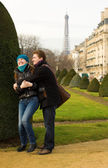 Happy loving couple in Paris — Stock Photo
