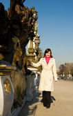 Beautiful girl in Paris on the Pont Alexandre II — Stock Photo
