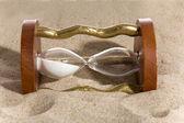 砂時計の砂の暗 — ストック写真