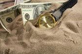 Clock and financial crisis — Stock Photo