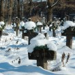 Old ukranian graveyard in winter — Stock Photo