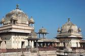 Domes of Raj Mahal palace,Orcha ,India — Stock Photo