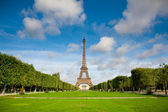 The Eiffel Tower. Summer — Stock Photo