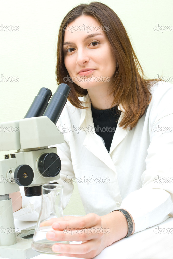 Scientist working at the laboratory — Stock Photo #1138765