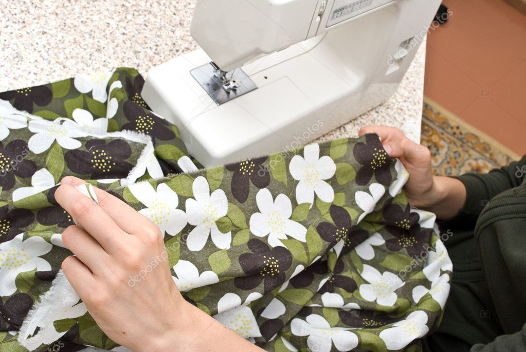 Hand sewing on a machine — Stock Photo #1139270