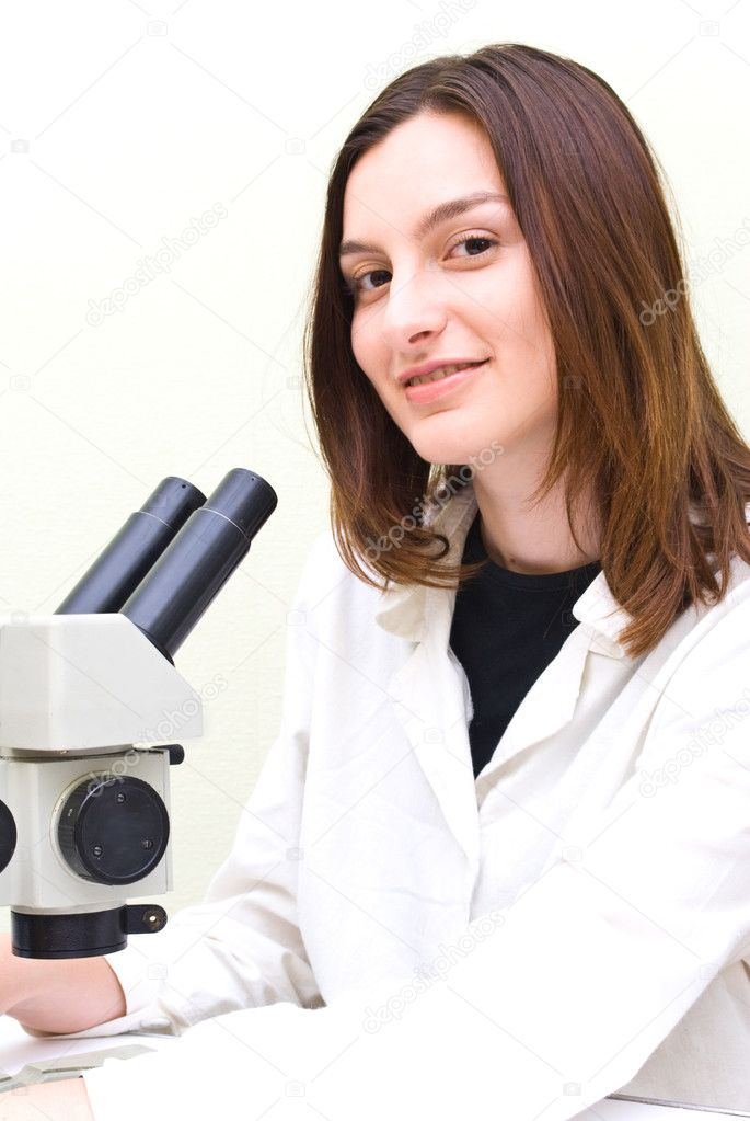 Scientist working at the laboratory — Stock Photo #1139416