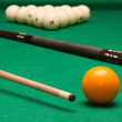Snooker balls and cue — Stock Photo