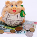 Children's ceramic piggy bank. — Stock Photo