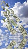 Dinheiro caindo — Fotografia Stock