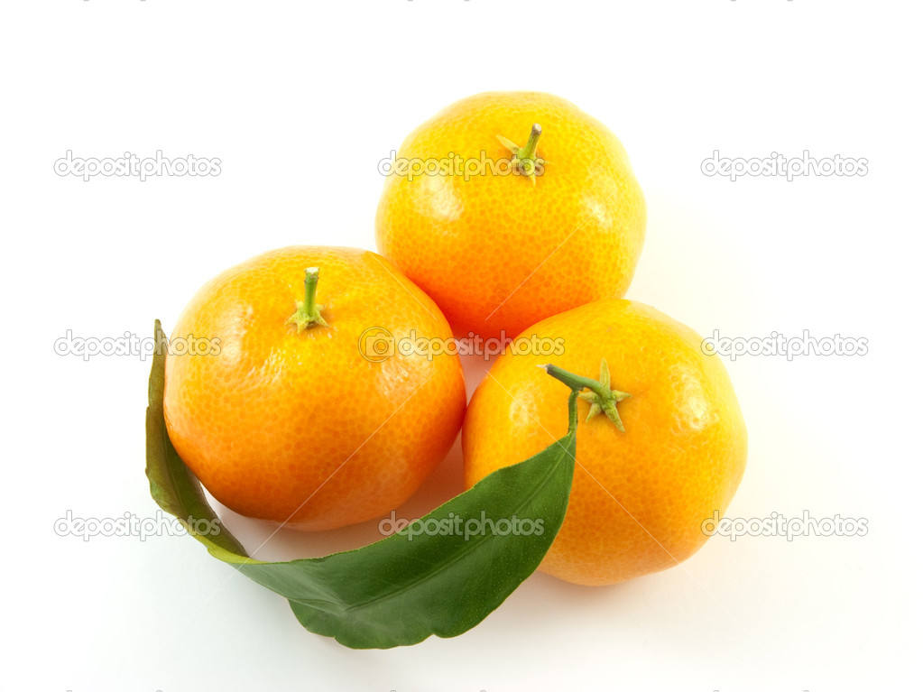 Three mandarin with leaf isolated on white background. — Stock Photo #1249740