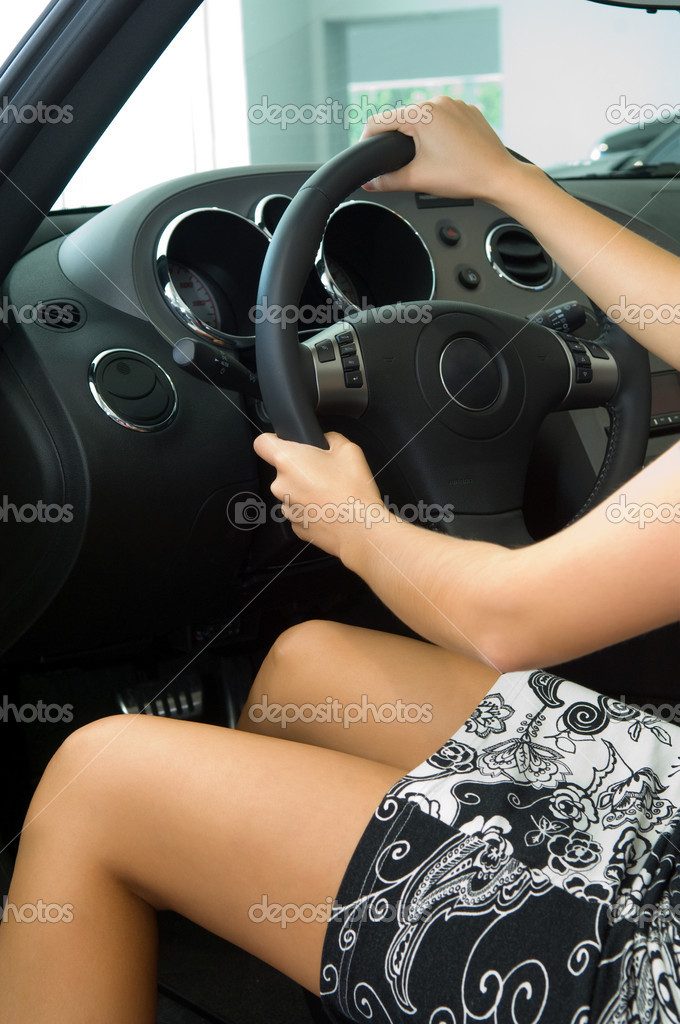 Pretty girl in car   Stock Photo #1097775