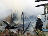 Bina yanıyor — Stok fotoğraf