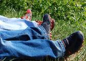 Dva v trávě — Stock fotografie