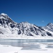 Icy lake and mountains, Himalaya, Nepal — Stock Photo