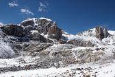 Rocky wall and a glacier, Himalayas, Nep — Stock Photo