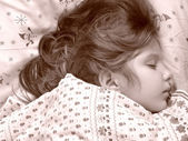 Sovande barn — Stockfoto