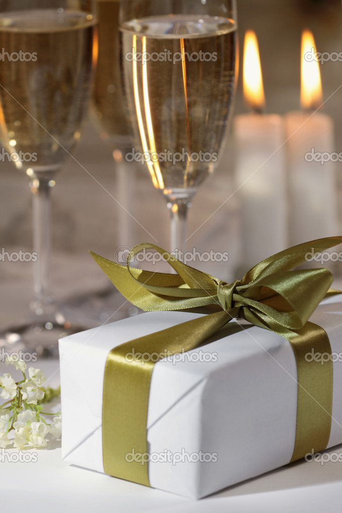 Gift box and glasses of champagne  Stock Photo #1079067