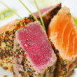 Grilled tuna fish and salmon — Stockfoto