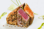 Grilled tuna fish and salmon — Stock Photo