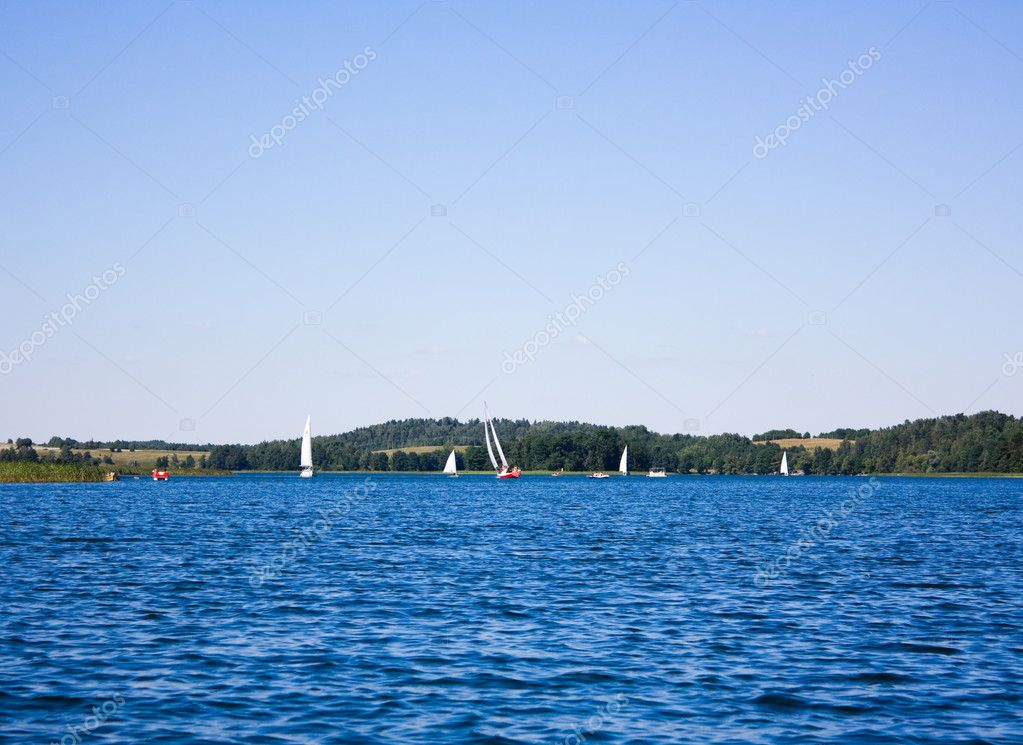Recreation on the lake, summer — Stock Photo #1087364